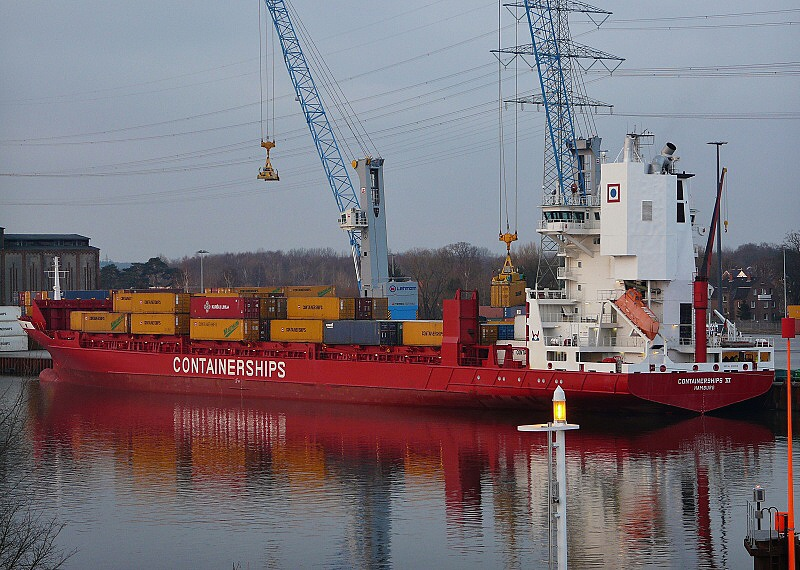 containerships IV 06 150123 15.50 GM 2